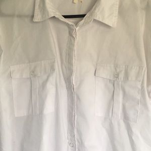Truth Tops - White 3/4 sleeve blouse hidden buttons on top